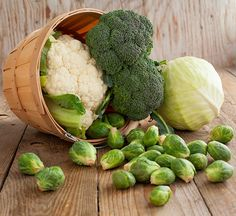 8-Must-Have-Superfoods-for-Every-Shopping-List-CruciferousVegetables