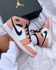 Cute Nike Shoes, Cute Nikes, Cute Sneakers, Nike Air Shoes, Shoes Sneakers, Pink Nike Shoes, Sneakers Style, Footwear Shoes, Cheap Shoes