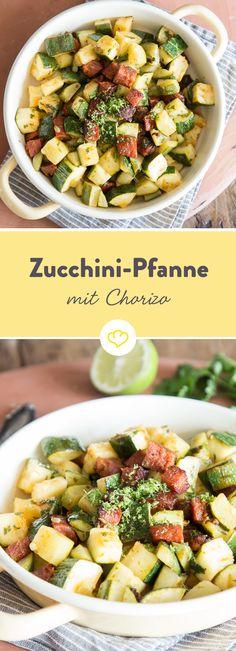 4 Zutaten und 25 Minuten sind alles, was du brauchst. Aus Zucchini, Chorizo, Limette und Koriander bereitest ein schnelles Low-Carb-Abendessen zu.