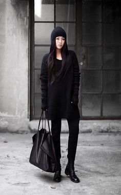 styletrove:  TREND LOVE: Head-to-toe black. So modern, so chic.