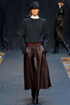 Hermès RTW 2012-2013 - I want a leather dirndl skirt.