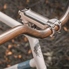 Angled Handlebar - Walnut/Alu by Woodstick
