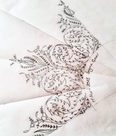 Silk Ribbon Embroidery, Hand Embroidery Designs, Embroidery Art, Embroidery Patterns, Islamic Art Pattern, Arabic Pattern, Pattern Art, Maggam Work Designs, Pencil Design