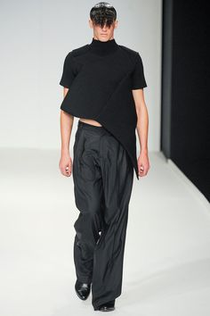 J.W. Anderson Spring 2014 Menswear Collection Slideshow on Style.com