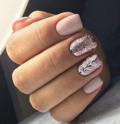 Gel nails are a long-lasting way of having salon quality nails. If you're looking for gel nail ideas,Take a look at these 30 gel nail designs to get you started Cute Gel Nails, Glitter Gel Nails, Love Nails, Diy Nails, Pretty Nails, Silver Glitter, Vernis Rose Gold, Rose Gold Nails, Pink Grey Nails
