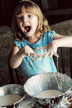 Let your kids have fun making a mess with Oobleck! via @dineanddish & @bakeat350tweets