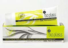 Een natuurlijke tandpasta bevat werkzame bestanddelen zoals o.a. Chios mastiek olie en echinacea. Werkt bij irritaties en gevoeligheden in de mondholte. Beschermt de tanden tegen tandplak. Voor een gezonde tanden, tandvlees en frisse adem. Het ingrediënt propolis kan verkleuring van de tanden verminderen. Door de speciale natuurlijke formule is deze tandpasta geschikt voor homeopathie. http://www.gezonder.nu/assortiment/biologische-tandpasta-100gr.html