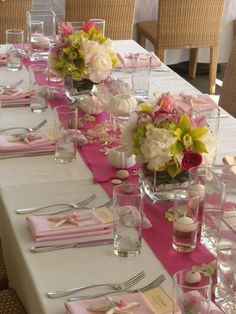 Love this pink table setting designed by Martin Roberts Design // & My backyard dinner party | My Events ( CCC) | Pinterest | Backyard ...