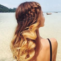 60 Trending Beach Hair Styles For Your Inspiration Messy Hairstyles, Pretty Hairstyles, Summer Hairstyles, Unique Hairstyles, Hairstyle Ideas, Hair Ideas, Braids With Curls, Braids For Long Hair, Wavy Curls