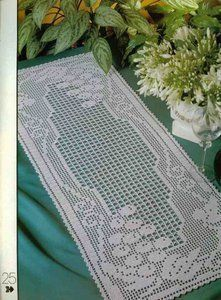 Filet crochet 'White Grapes' - see pattern
