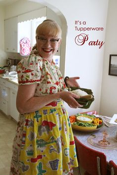 When I get my retro kitchen I will for sure throw a tupperware party and dress like this fine women.