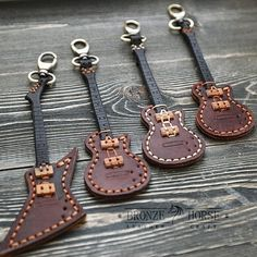 Handcrafted Leather Key Chains This Leather coin purse will take care of your change that so often clang in pockets. Coin pouch will… Leather Carving, Leather Art, Sewing Leather, Leather Gifts, Custom Leather, Leather Design, Leather Tooling, Leather Jewelry, Leather Diy Crafts