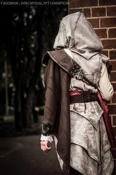 Ezio Auditore da Firenze Cosplay | Assassin's Creed 2 | Female Ezio