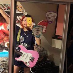 Music Aesthetic, Retro Aesthetic, Live At Leeds, Blake Steven, Jolie Photo, Cool Guitar, Guitar Girl, Girl Bands, Grunge Hair