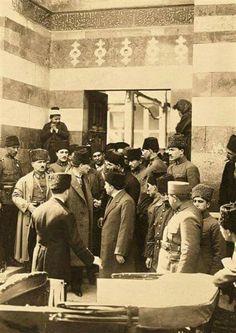 1923 Adana Ulucami Cuma namazı çıkışı Mustafa Kemal Atatürk