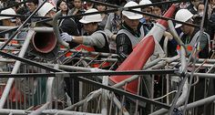 UPDATE: Hong Kong authorities start to clear main protest site