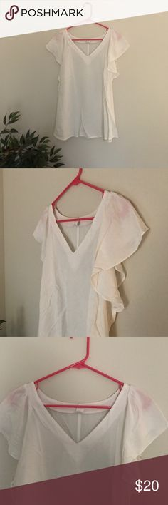 ❗️PRICE DROP❗️ ✨NEVER WORN✨ White blouse ✨✨NEVER WORN✨✨ Old Navy Tops Blouses