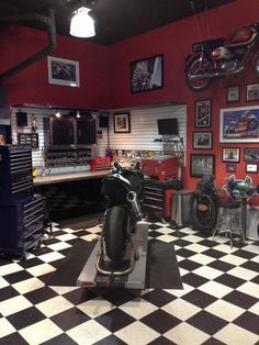 The Garage Shop Workshop – Awesome Ideas! The Garage Shop Workshop – Awesome Ideas! Motorcycle Workshop, Motorcycle Shop, Motorcycle Garage, Man Cave Garage, Man Cave Basement, Basement Plans, Cool Garages, Custom Garages, Garage Metal