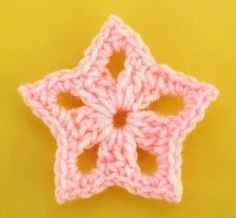 Crochet star-real easy and fast. I love these stars. Use shimmer yarn if you wan Crochet star-real easy and fast. I love these stars. Use shimmer yarn if you wan Crochet Star Patterns, Crochet Stars, Crochet Snowflakes, Crochet Flowers, Afghan Patterns, Flower Patterns, Crochet Angels, Crochet Birds, Appliques Au Crochet