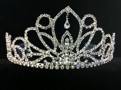 Tiara | Crown | Find it on our quince app | https://itunes.apple.com/us/app/quinceanera.com/id1084512701?mt=8