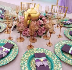 Love the turquoise & gold plates
