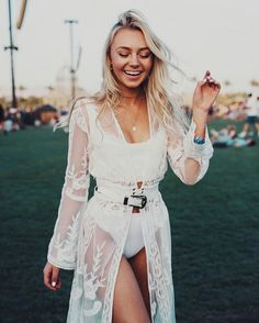 The Coachella Beauty Looks You Need To See - Festival outfit - - Festival outfits - Coachella Festival, Music Festival Outfits, Music Festival Fashion, Rave Festival, Festival Wear, Boho Festival Makeup, Music Festivals, Summer Festival Outfits, Casual Festival Outfit