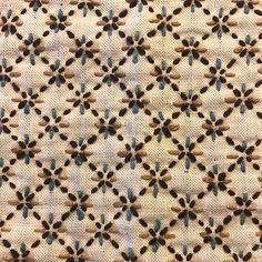 チクチク手仕事、針仕事。平戸の立石陶器のお母さんが、チクチクすること三日間。丈夫なふきんが出来ました。 かけた手間の積み重ねが、しっかりと気持ちを支えてくれます。 #針仕事 #刺し子 #オーガニックコットン #ふきん #立石陶器 #平戸 #手仕事のある暮らし