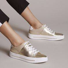 72aacb782 These metallic gold sneakers are everything! Gold Sneakers, Sneakers Fashion,  Shoes Sneakers,