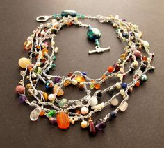 Crochet necklace: fun mix of beads