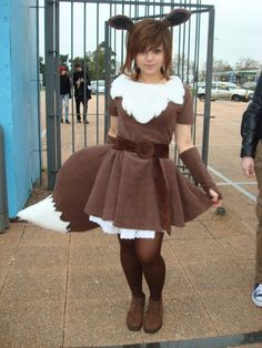 Eevee Cosplay Outdoor (omg this makes me want to do an umbreon cosplay)