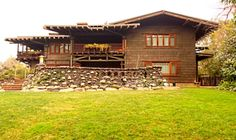 """A Pilgrimage to The Gamble House: One of Greene & Greene's """"Ultimate Bungalows"""" Bungalow Homes, Craftsman Style Homes, Craftsman Bungalows, Shingle Style Architecture, Architecture Images, Building Art, Building Design, Gamble House, Brown House"""