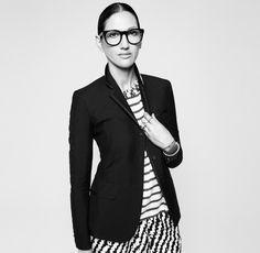 Jenna Lyons Markenzeichen: markante Brille, Blazer, Streifen