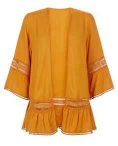 Rust Crochet Trim Flutter Sleeve Kimono    New Look