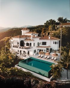 Casa Fort in Spain 😍 Through Picture by Marbella, Spain Casa Castle in Spain 😍 Via Photo by A photograph posted by HOUSES 🔑 ( on Dream House Exterior, Spanish Style, Spanish Bungalow, House Goals, My Dream Home, Exterior Design, Future House, Architecture Design, Building Architecture