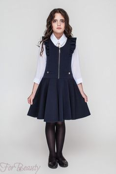 Школьный сарафан для девочки 2018 2019 Young Girl Fashion, Kids Fashion, Fashion Design, Chocolate Fashion, Kids Dress Patterns, Baby Dress Design, Dresses Kids Girl, Linen Dresses, Asian Girl