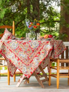 April Cornell Rhapsody Red Paisley Round Tablecloth - The Home Depot Linen Tablecloth, Round Tablecloth, Table Linens, Bed Linens, Tablecloth Ideas, Kitchen Tablecloths, Kitchen Linens, Beige Bed Linen, April Cornell