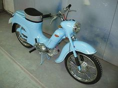 Jawa 50 typ 555 Old Motorcycles, Old School, Photo Galleries, Gallery, Vehicles, Classic, Vintage, Cuba, Derby