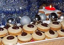 Kávová kolečka s kofilovým krémem - My site Slovak Recipes, Czech Recipes, Christmas Sweets, Christmas Baking, Le Chef, Biscuit Recipe, Holiday Cookies, Desert Recipes, Graham Crackers