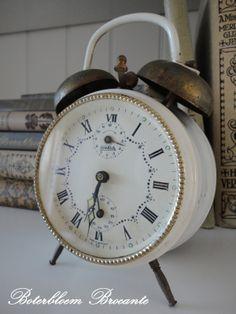 Pretty vintage alarm clock
