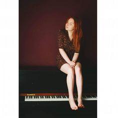#redhead #redhair #ginger #celtic #ruiva #body #polishgirl #poland #pale #skin #freckles #artist #talent #fotodome #featurepalette  #incredibleredhead #portraitpage #wroclaw #peopleinportraits #piano #keys #music #instrument #polska #muzyka #legs #body #music #instrument