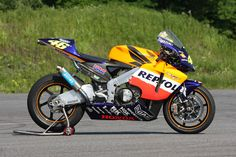 Honda Motors, Honda Bikes, Valentino Rossi 46, Honda Shadow, Motorcycle Design, Cbr, Ikon, Cars And Motorcycles, My Hero