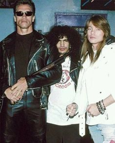 Arnold Schwarzenegger - Slash And Axl Rose - On The Set Of The Music Video For You Could Be Mine - Music - Cinema print on canvas, print on wood, print on steel or print on paper Axl Rose, Arnold Schwarzenegger, Guns N Roses, Iron Maiden, Heavy Metal, The Beatles, Rock Poster, Welcome To The Jungle, Ozzy Osbourne