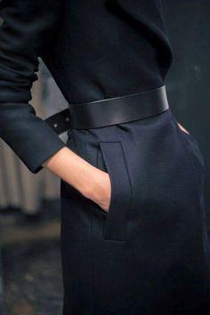 Black belt in a total black outfit. - Black Belt - Ideas of Black Belt - Black belt in a total black outfit. Fashion Gone Rouge, Fashion Mode, Look Fashion, Womens Fashion, Net Fashion, Latest Fashion, Winter Fashion, Fashion Trends, Fashion Black