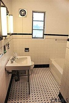 1930 39 s bathroom on pinterest 1930s bathroom tile and for 1930 bathroom design ideas