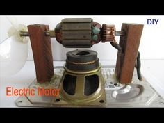 How to make mini DC motors with electric fan - Easy make powerful DC motor at home Relate video : + Electric motor with fidget spin - How to make mini un. Diy Generator, Homemade Generator, Motor Generator, Diy Electronics, Electronics Projects, Renewable Energy, Solar Energy, Magnetic Motor, Electric Power