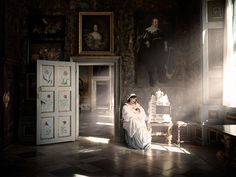 Australian artist and photographer Alexia Sinclair has a dazzling imagination that comes to life through her work. She recently developed this magical journey, entitled A Frozen Tale, filled with traces of history set inside an untouched 17th-century castle.