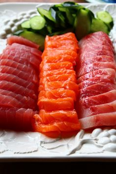 Drooling. Sushi Recipes, Salmon Recipes, Seafood Recipes, Cooking Recipes, Healthy Recipes, I Love Food, Good Food, Yummy Food, Sashimi Sushi