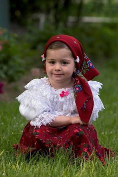 from Romania - Transilvania Beautiful Images, Beautiful People, Romanian Girls, Costumes Around The World, Folk Costume, People Of The World, My Little Girl, Beautiful Children, Image Photography