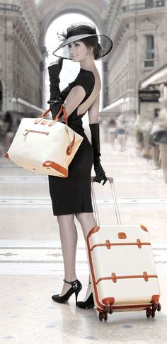 Luxury lifestyle - traveling in style vintage fashion в 2019 Vintage Mode, Style Vintage, Vintage Fashion, Estilo Glamour, Mode Glamour, Mode Style, Style Me, Casual Styles, Foto Fashion