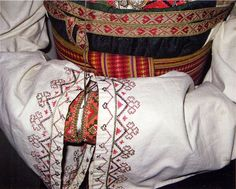 FolkCostume&Embroidery: East Telemark, Norway, embroidered shirts for Raudtrøye and Beltestakk Traditional Dresses, Traditional Art, Finger Weaving, Folk Clothing, Hardanger Embroidery, Costume Patterns, Folk Costume, Embroidered Shirts, Fashion History
